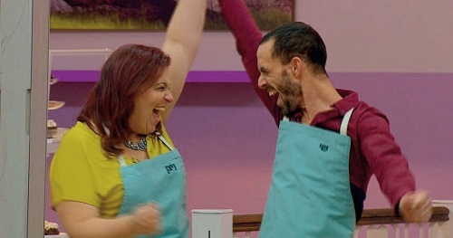We've won! The moment Nitzan and Shy were announced the winners of Bake Off Israel. Their prize: a trip to Zanzibar